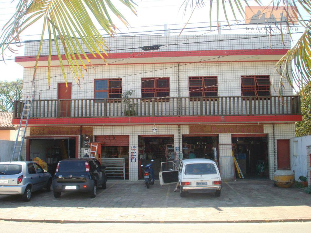 COMERCIAL - Centro de Barão com vagas próprias