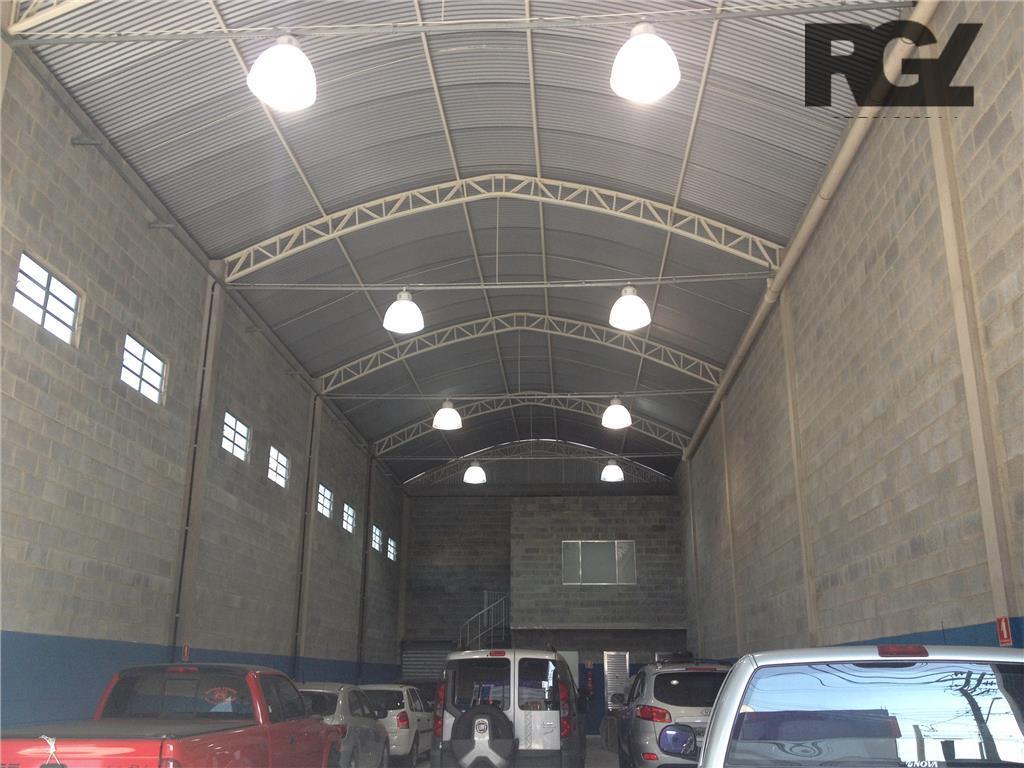 Galpão novo com 400m² de área, portão eletrônico e mezanino - Centro de Santos