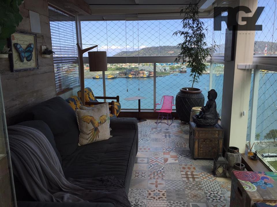 Magnífico apartamento com 6 vagas e vista total para o MAR - 3 suítes com quarto de hóspedes