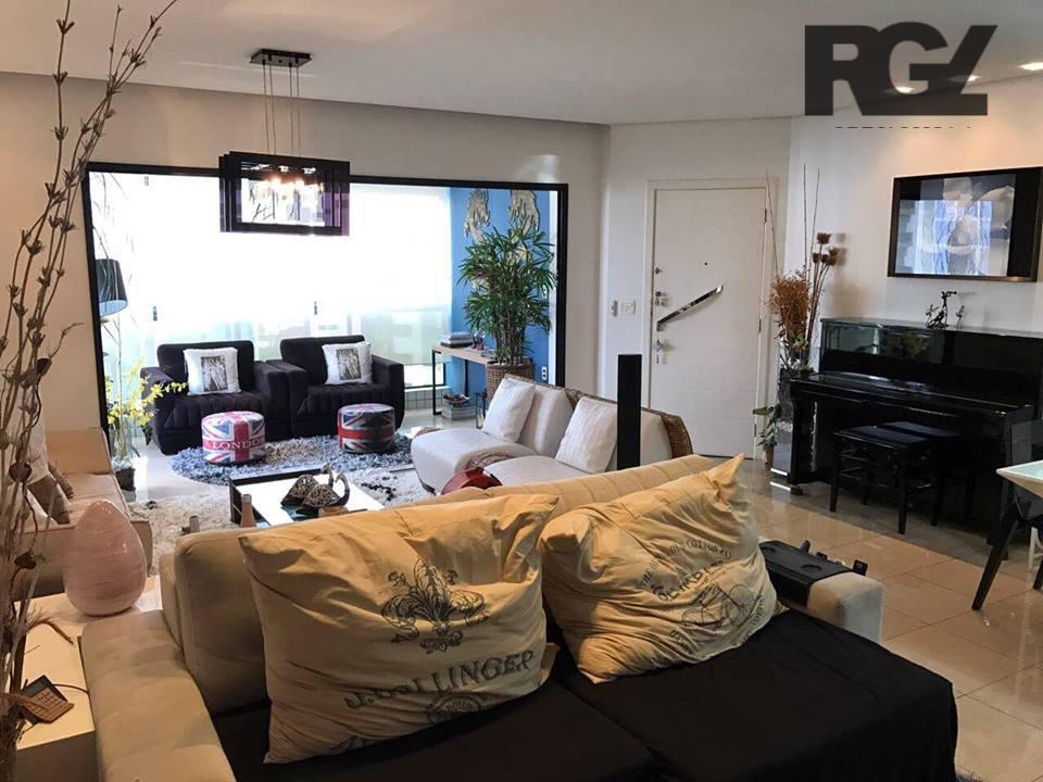 Maravilhoso apartamento no Gonzaga, próximo ao mar, pronto para morar