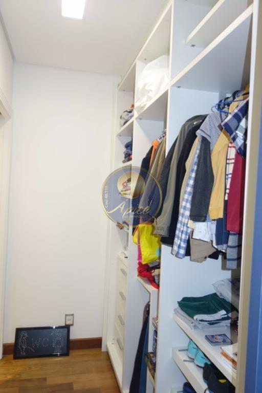 Cobertura de 4 dormitórios em Alto De Pinheiros, São Paulo - SP