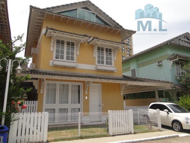 Casa residencial na Barra da Tijuca com balsa para praia