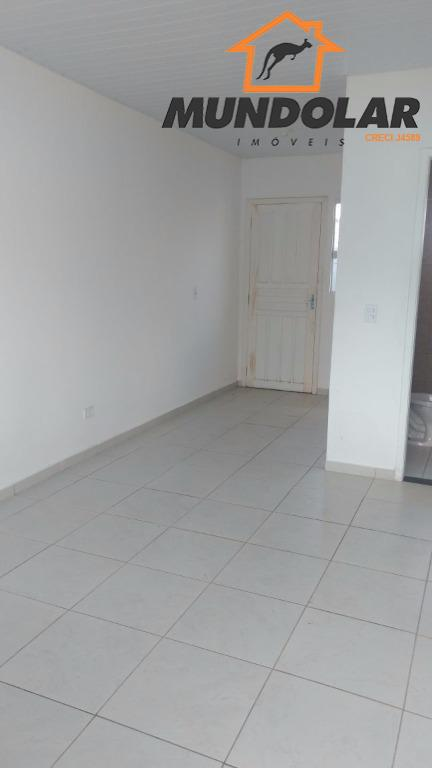 casa de frente pra rua no condomínio clube san diego. contendo: * 2 quartos amplos, bem...