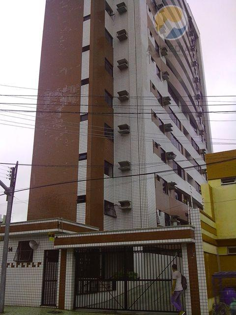 Apartamento residencial à venda, Aldeota, Fortaleza - AP0472.
