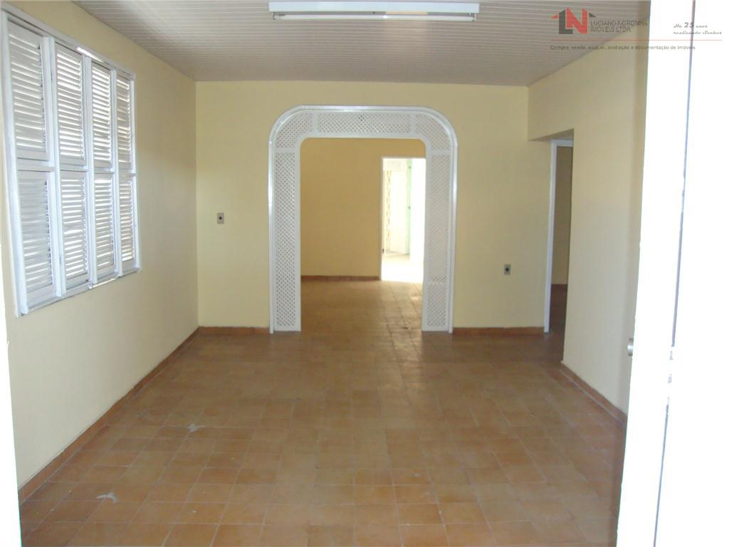DE R$ 450 mil por R$ 380 Mil - Casa Plana com Galpão - 4 Quartos - Terreno 11m x 35m
