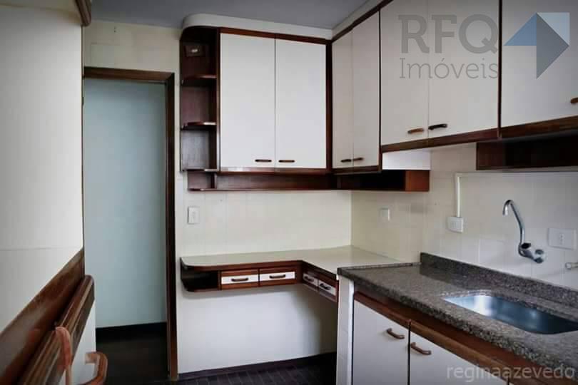 2 quartos, uma sala em l, cozinha, 2 banheiros e área de serviço.vaga: uma vaga de...