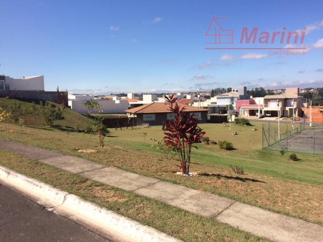 confira: o condomínio conta com salão de festas para até 200 pessoas, estacionamento, quadra, poliesportiva e...