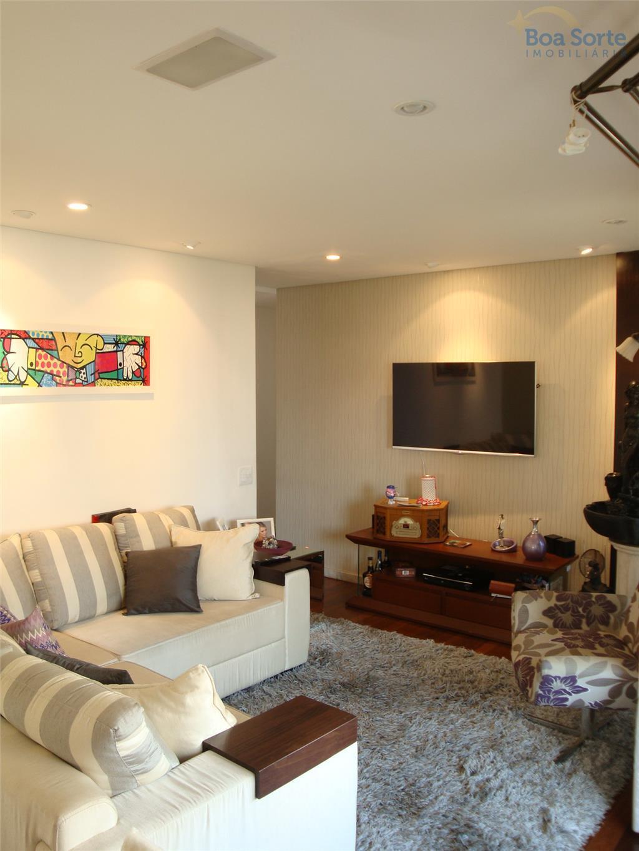 oportunidade! lindo apartamento com 3 dormitórios, sendo uma suíte, cozinha planejada e iluminada, espaçoso, agradável e...