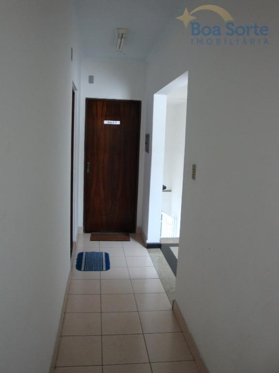 oportunidade de sala comercial! espaço de 35m² com banheiro! imóvel em excelente estado, pronta para instalar...