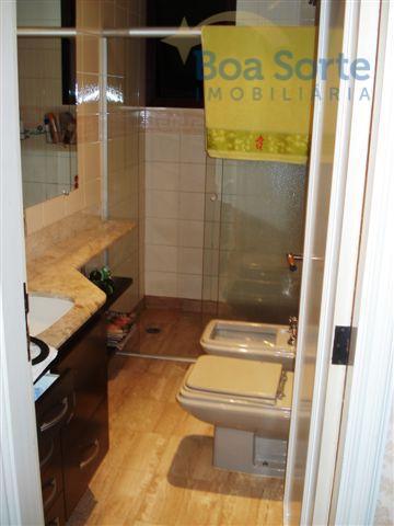 este é um estiloso apartamento com acabamento fino e impecável! oferece uma completa infraestrutura em suas...