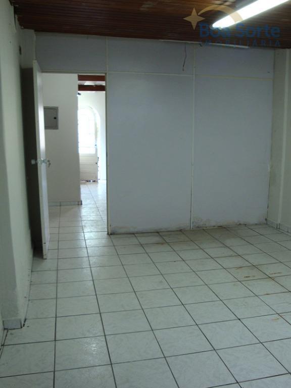 oportunidade! ótimo sobrado para uso comercial de 103 m², com 6 salas, 2 banheiros e cozinha...