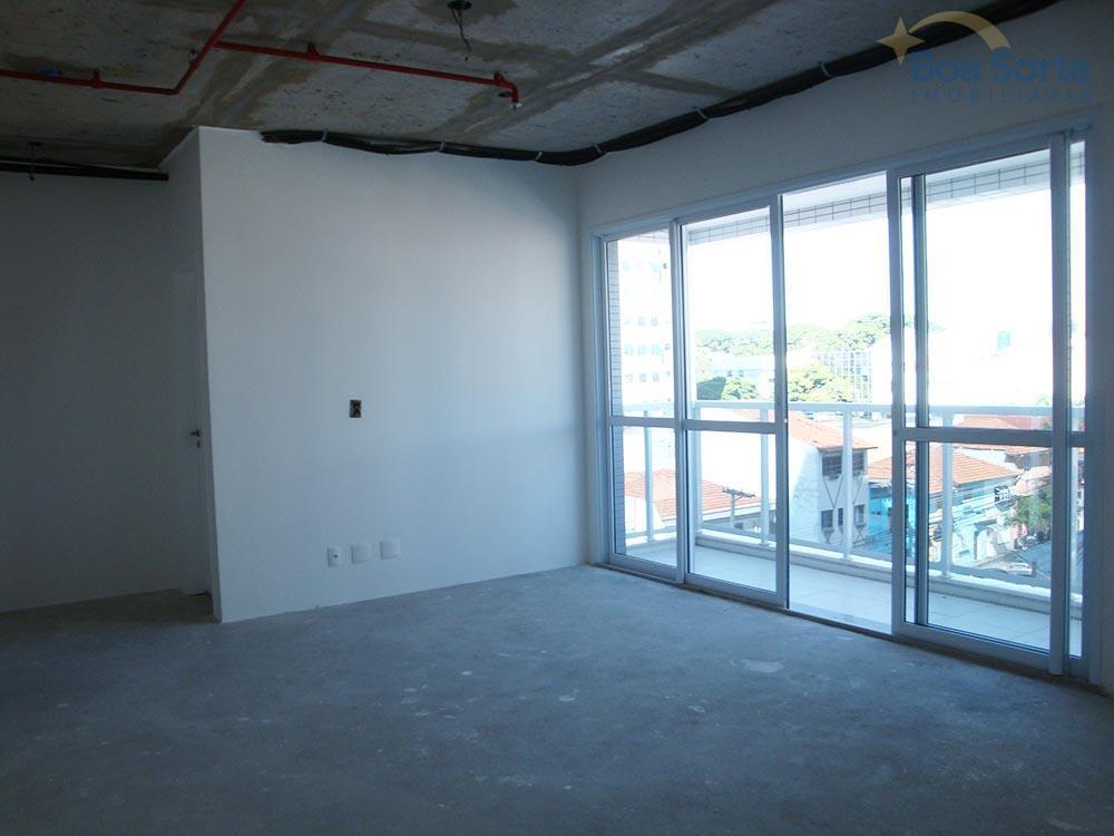 oportunidade! sala comercial com 42 m² no tatuapé! sala ampla com dois banheiros, sacada e uma...