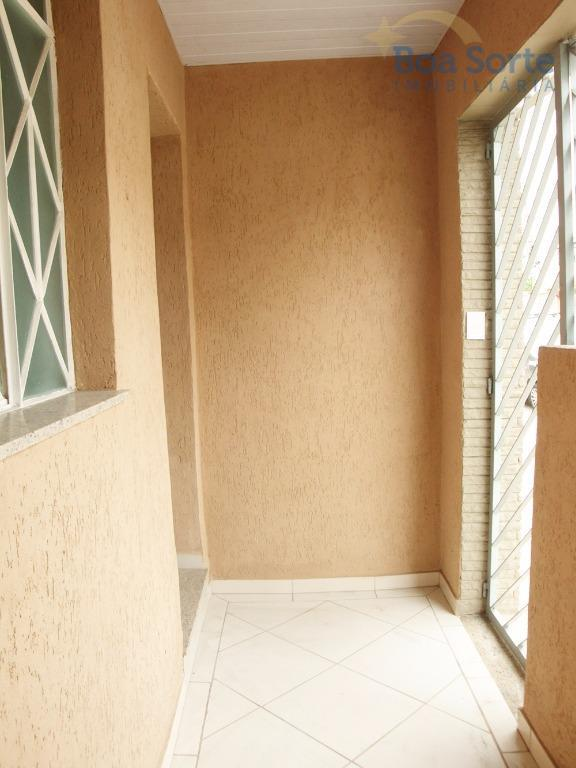 oportunidade! excelente sobrado com 90 m², muito bem conservado, com dois dormitórios espaçosos, sala, banheiro, cozinha...