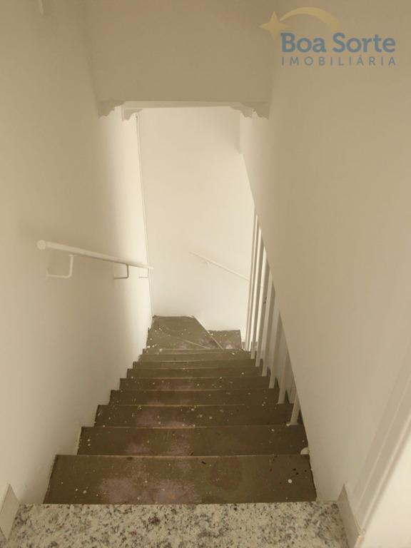 excelente sala comercial de 9,40 m², ampla, boa iluminação natural, com acesso a um banheiro de...