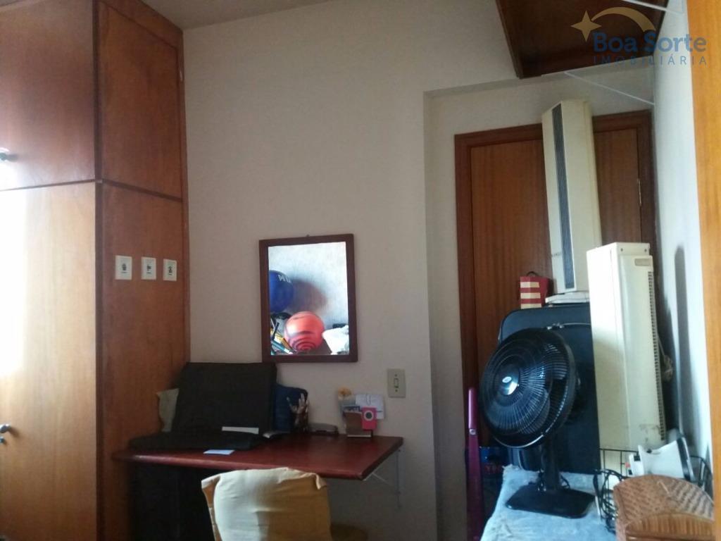 oportunidade! ótimo apartamento de 85 m² contendo três dormitórios (uma suíte) com armários, sala ampla dois...