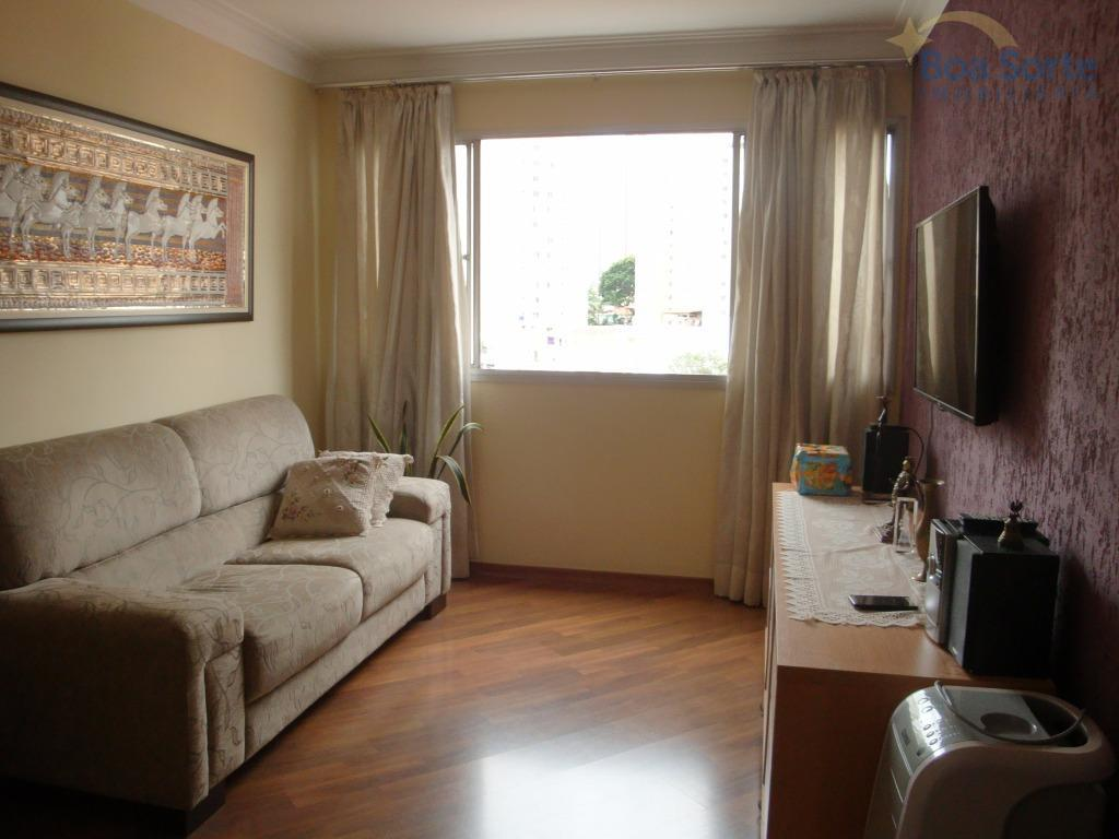 oportunidade! apartamento em ótimo estado com dois dormitórios, banheiro, sala com dois ambientes, cozinha com armários...