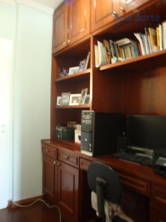 lindo apartamento de 84 m² com três dormitórios com armários de excelente qualidade (sendo uma suíte),...