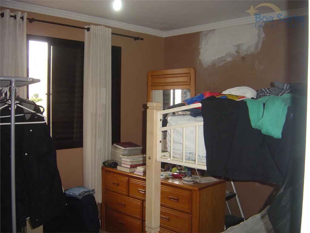 apartamento amplo de 85 m² com dois dormitórios, sala, cozinha, banheiros e área de serviço com...