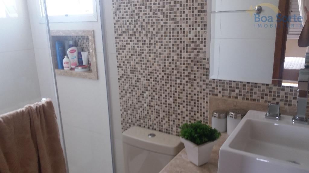 apartamento em andar alto com 89 m². possui dois dormitorios (uma suite), banheiro, escritório, sala ampla,...