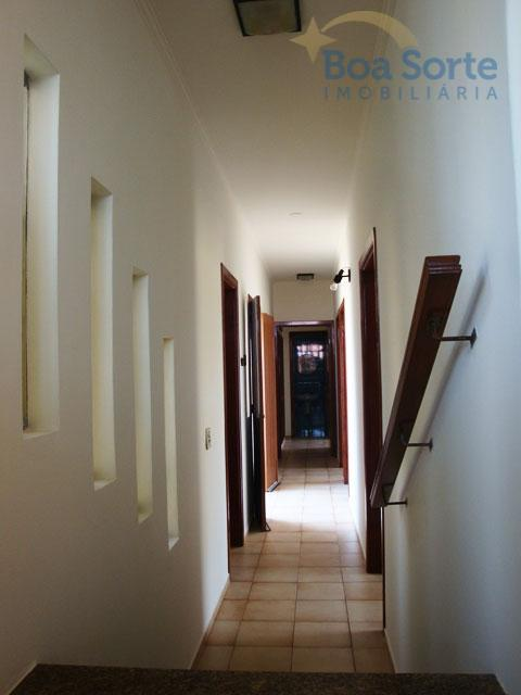 ótima oportunidade!casa de esquina com arquitetura funcional e diferenciada!ampla, espaçosa, aconchegante, muito iluminada, dormitórios espaçosos e...