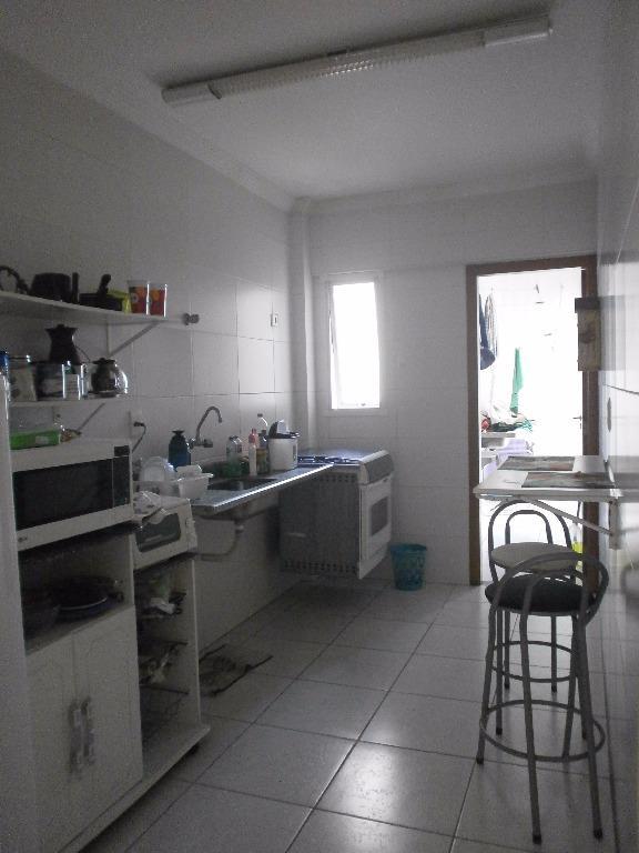 Excelente apartamento com vista para o mar, localizado em um dos melhores bairros de Praia Grande. Ref- AP1616