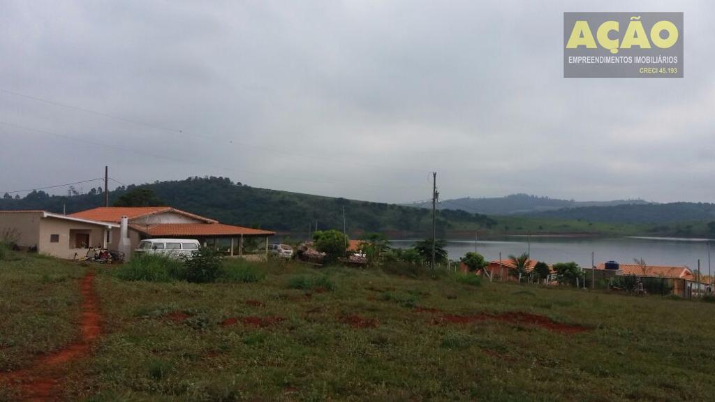 chácaras, em minas entre as cidades de alterosa, areado e alfenas, de frente para uns dos...