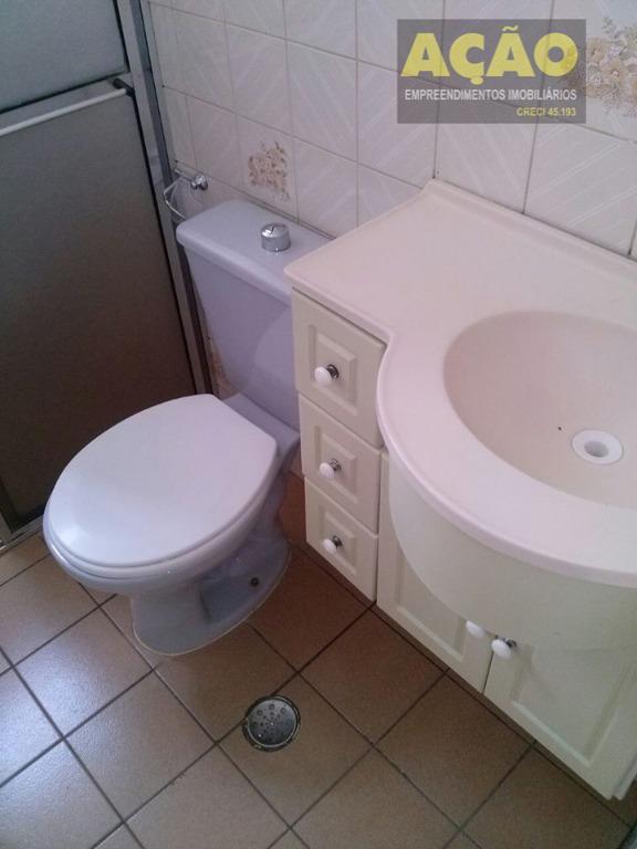 apartamento térreo no condomínio andorinhas com 2 dormitórios, sala, cozinha, área de serviço, banheiro e 1...