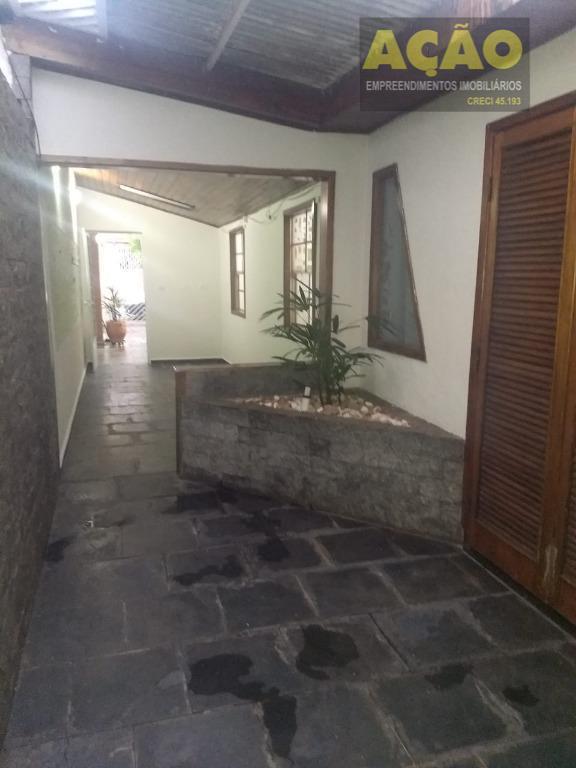 casa com 3 dormitórios no jardim joão paulo ii.