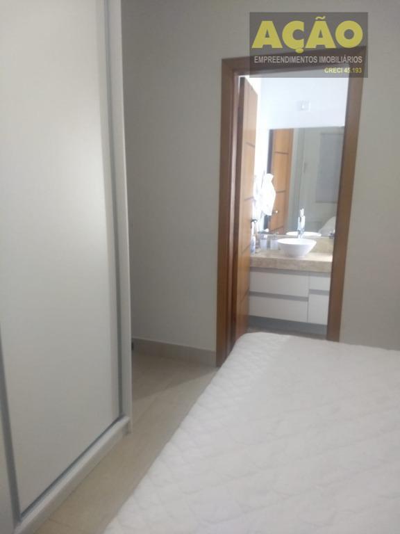 casa térrea com 4 dormitórios, sendo 2 suítes, 2 salas sendo uma conjugada com a copa,...
