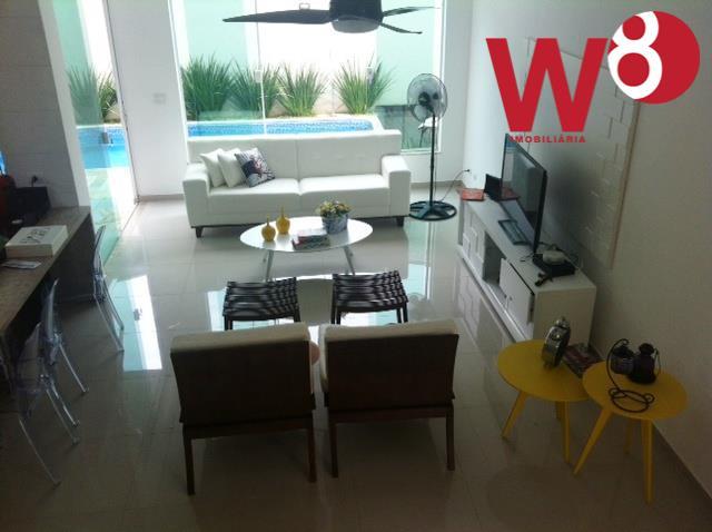 casa em condomínio á aproximadamente 800 m da praia.condomínio com apenas 4 unidades, portaria 24 hs.casa...