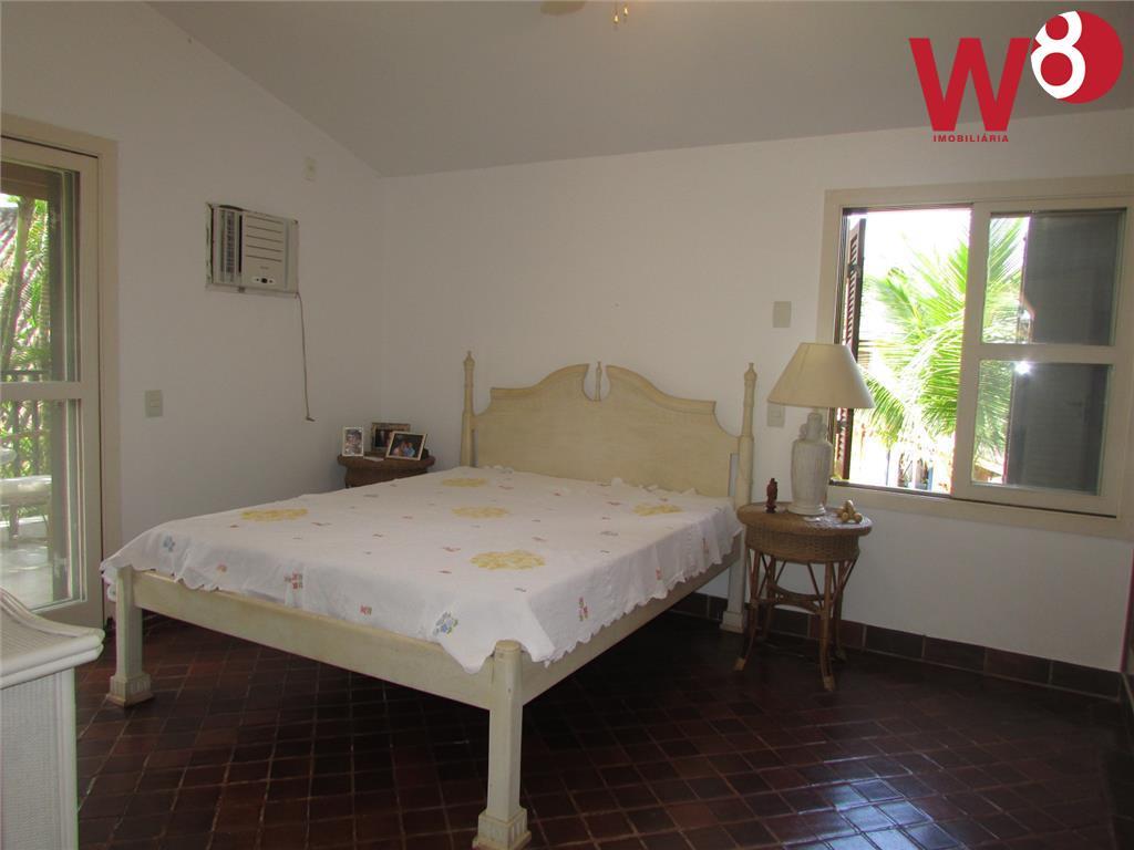 venda com porteira fechada. piso superior -> 1 suíte com sacada, sala de estar e terraço...