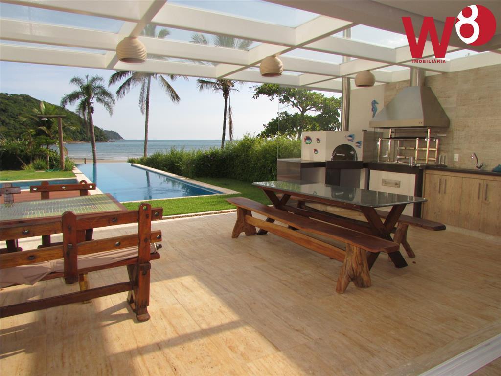 Em condomínio frente ao mar, venda e locação, Baleia, São Sebastião - CA0035.