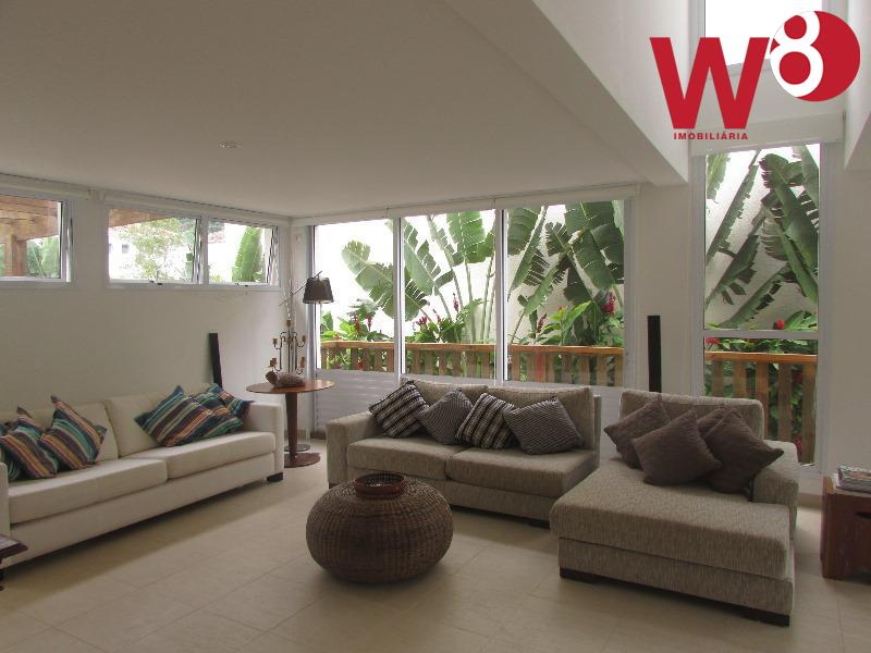 casa dentro de condomínio, composta por 4 suites, dep. de empregada, cozinha, lavabo, sala em 2...