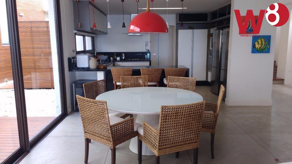 casa em condominio na praia de maresias. condominio novo, com apenas 16 unidades. sobrado totalmente privativo,...