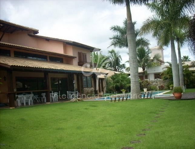 Casa com 940m² em terreno com 1200m² à venda em Jurerê Internacional, Florianópolis.