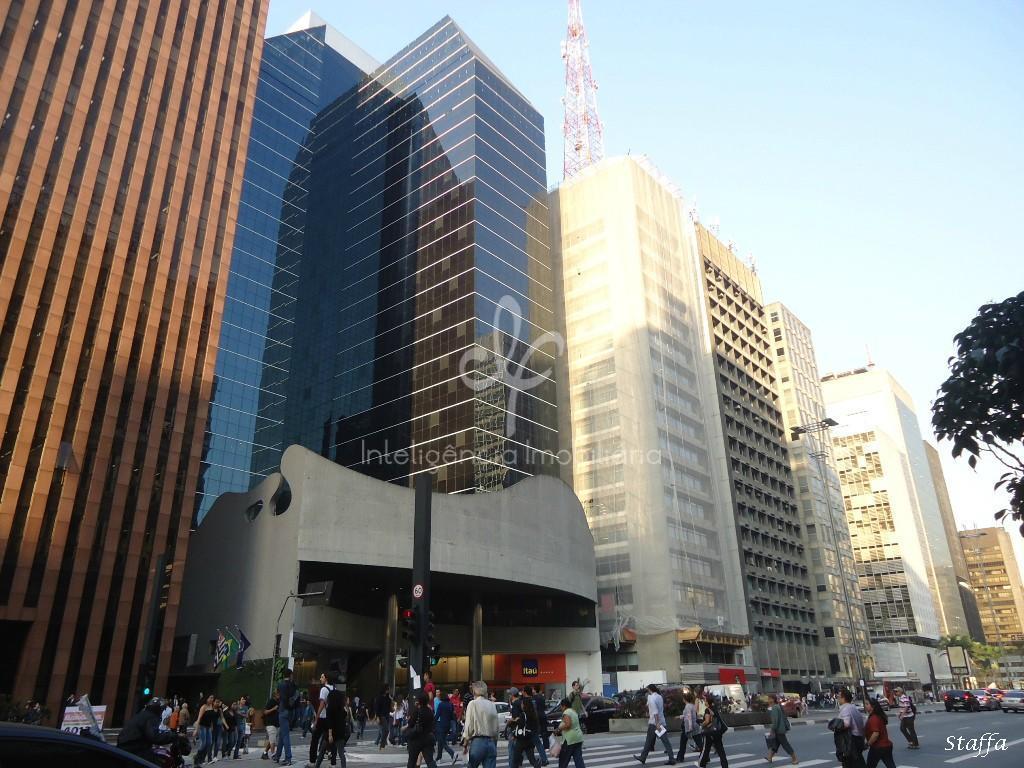 Conjunto corporativo com 844m² para locação na Av. Paulista, São Paulo.