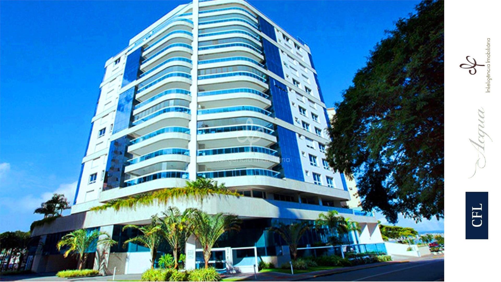 Amplo apartamento com 2 suítes e 3 vagas à venda próximo ao Beiramar Shopping em Florianópolis.