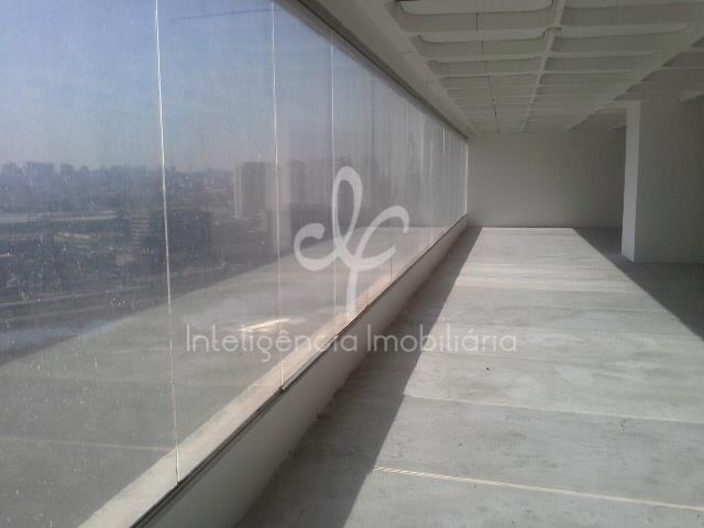 Laje  comercial com 2844 m², 28 vagas, perto do Metro, São Paulo.