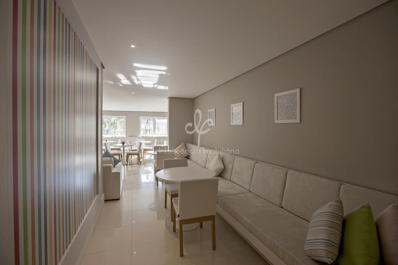 cobertura com 4 suítes, sendo uma master com espaço para walk-in closet e hidromassagem. terraço gourmet...