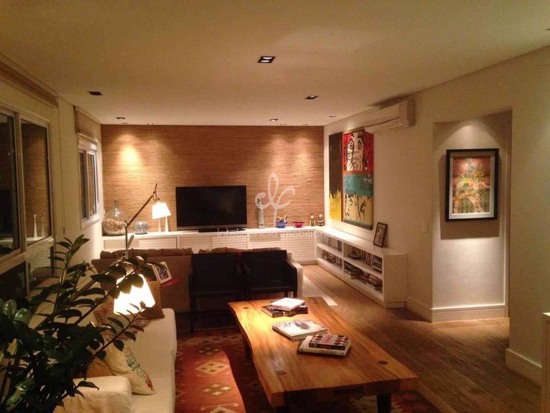 Apartamento de 192 m², 3 suítes - 1 suite com 2 banheiros, mobiliado, 4 vagas, Vila Nova Conceição, SP.