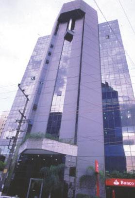 Andar corporativo com 400 m², 8 vagas, excelente localização na Vila Olímpia, SP!