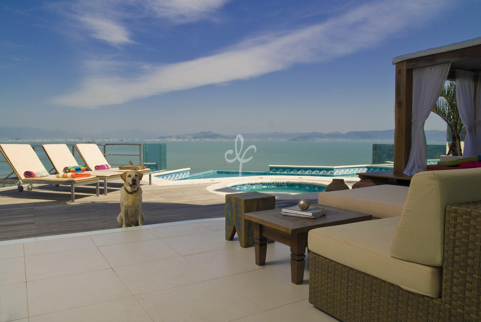 Casa de luxo com 5 suítes, frente mar em Florianópolis