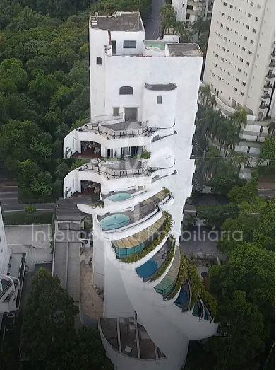 Apartamento com 355 m², 3 dormitórios sendo 1 suíte, 3 vagas, bairro Vila Andrade, São Paulo.