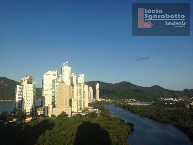 Apto com vista maravilhosa, Montanha, Rio e Mar!