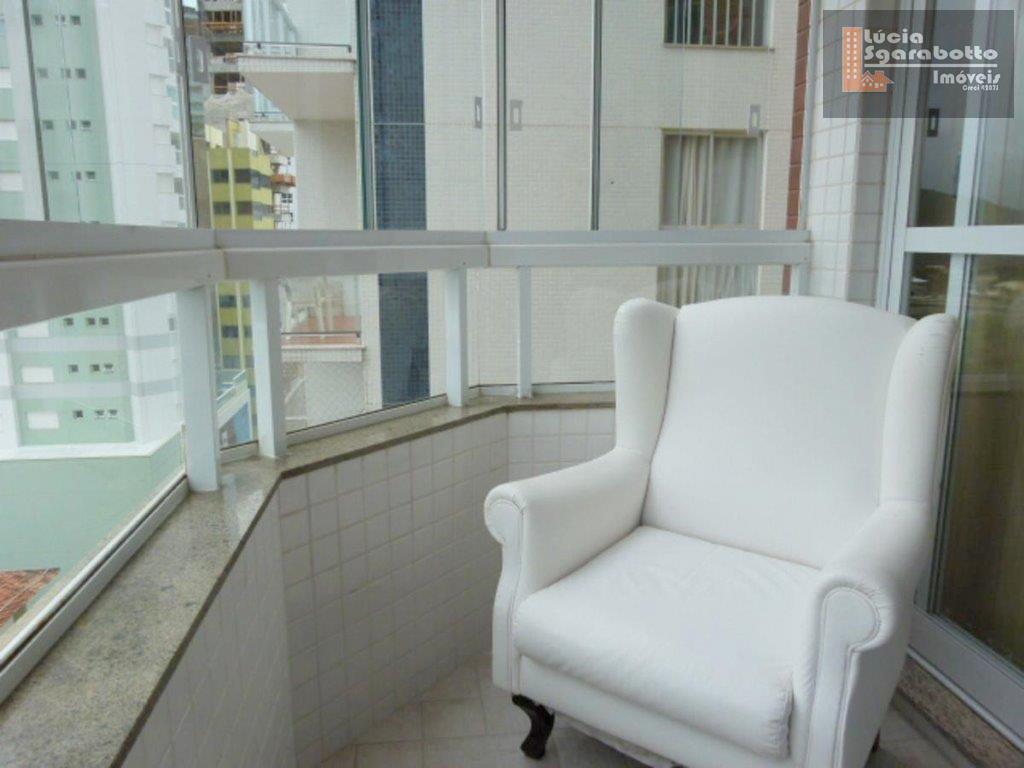 Excelente apartamento para dois casais na Barra Sul.