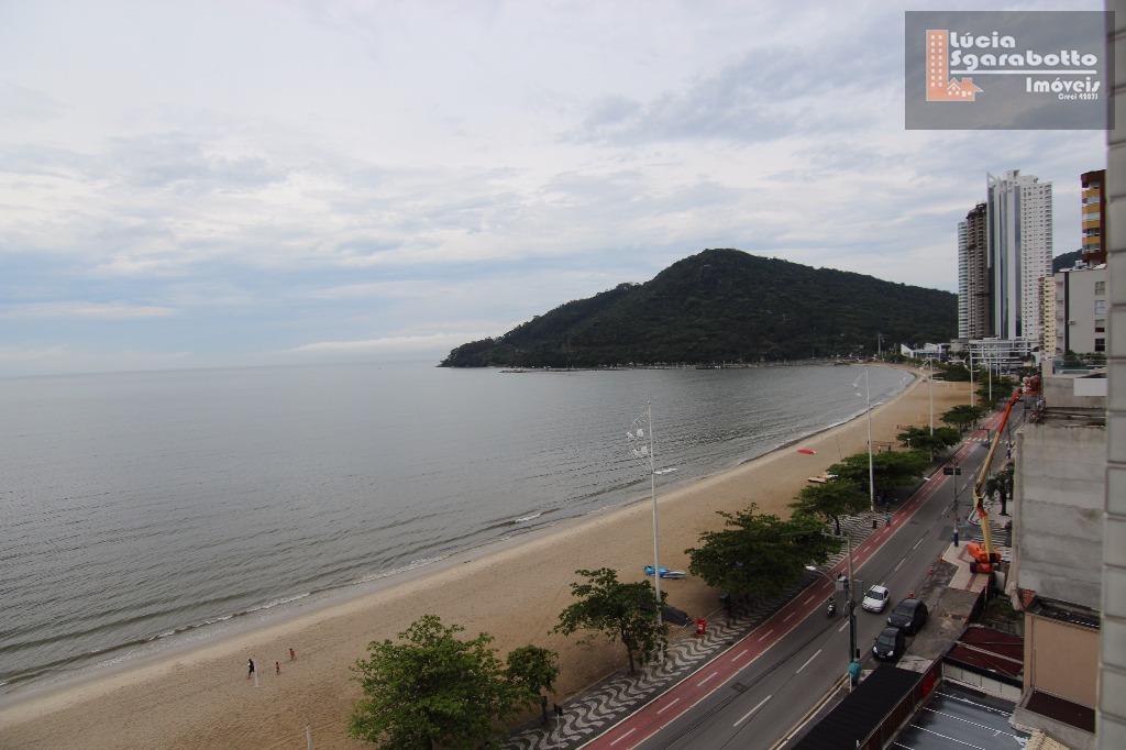Apartamento frente mar na Barra Sul!!!