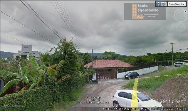 Excelente Casa no Centro de Bombinhas!!!