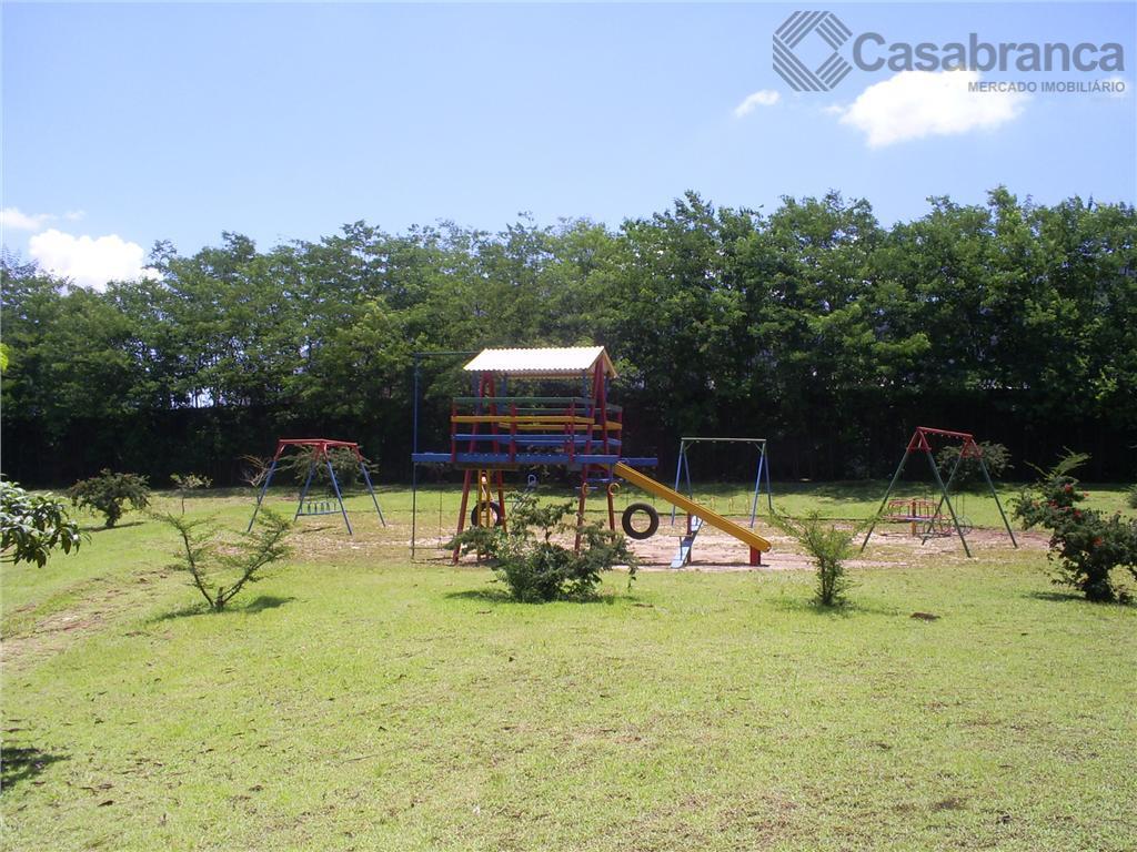 o condomínio possui áreas verdes, quadras esportivas, pista de caminhada, área de ginástica ao ar livre,...
