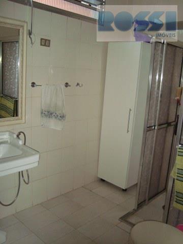 Casa de 4 dormitórios em Vila Alpina, São Paulo - SP
