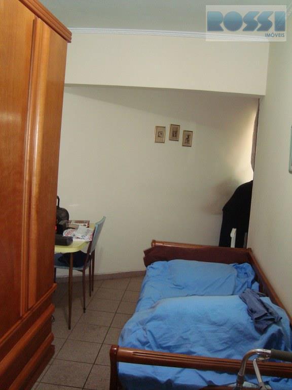 Casa de 3 dormitórios em Vila Alpina, São Paulo - SP